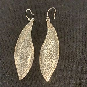 Silpada leaf earrings